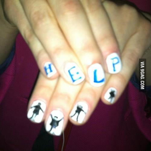 Zooey Deschanel's nail art !! <3