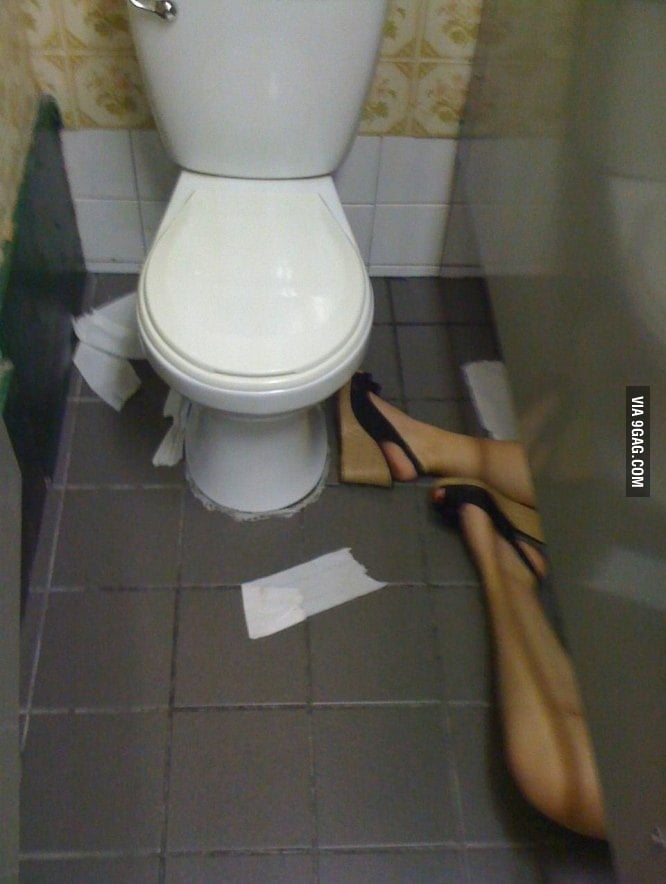 When I go to the woman's toilet...