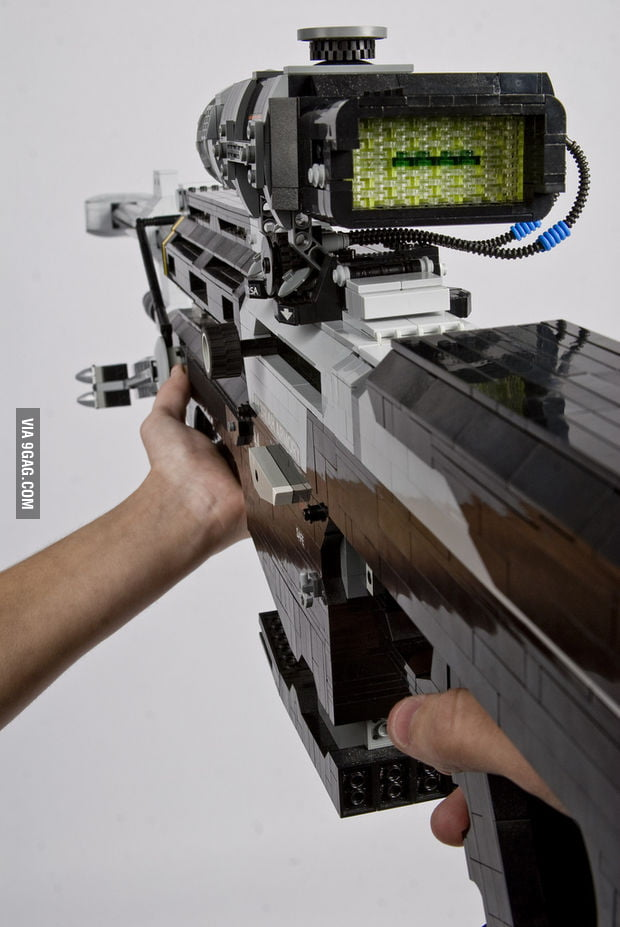Halo sniper rifle built with LEGO