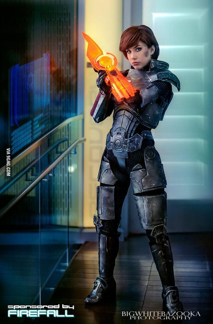 Commander Shepard II - Paragon