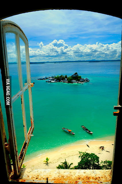 I want to live here - Lengkuas island, Indonesia.