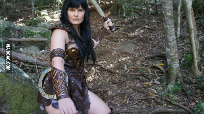 This pretty lady does an amazing Xena!