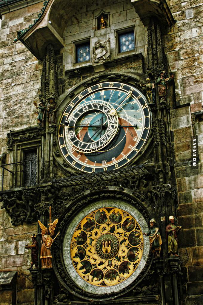 Look at this clock, this is a nice clock