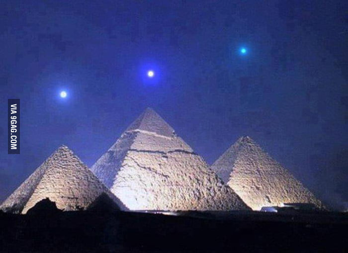 Planetary alignment with the Giza Pyramids, once in 2,737 yr