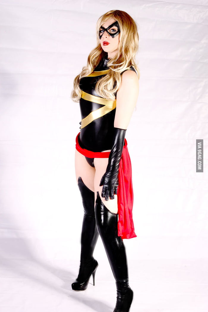 Avenger Ms. Marvel cosplay