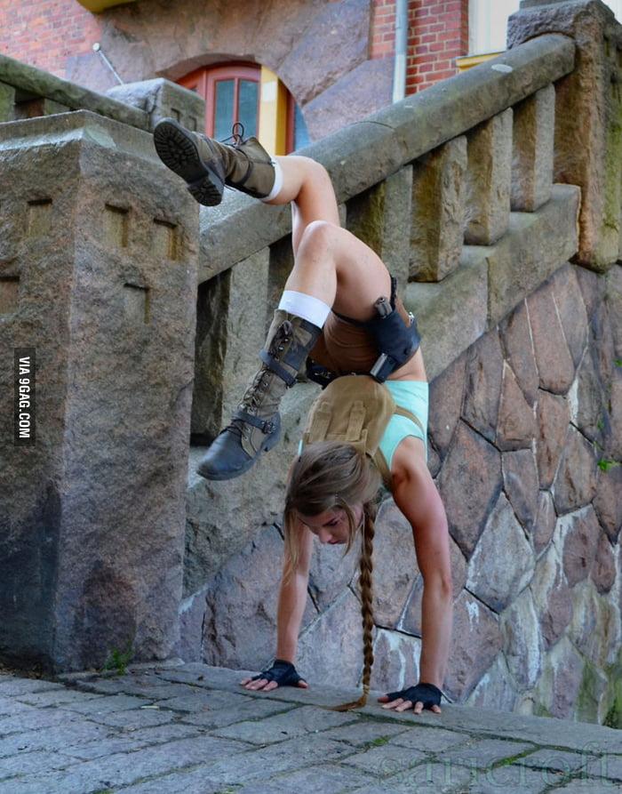 Ledge handstand