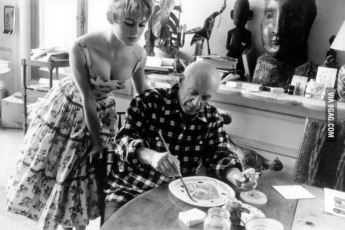 When the sexy meets the talent: Brigitte Bardot & Picasso