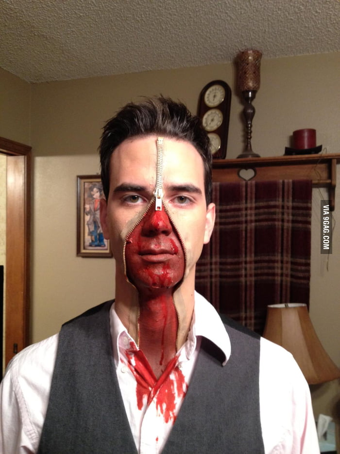 This is a pretty badass Halloween costume.