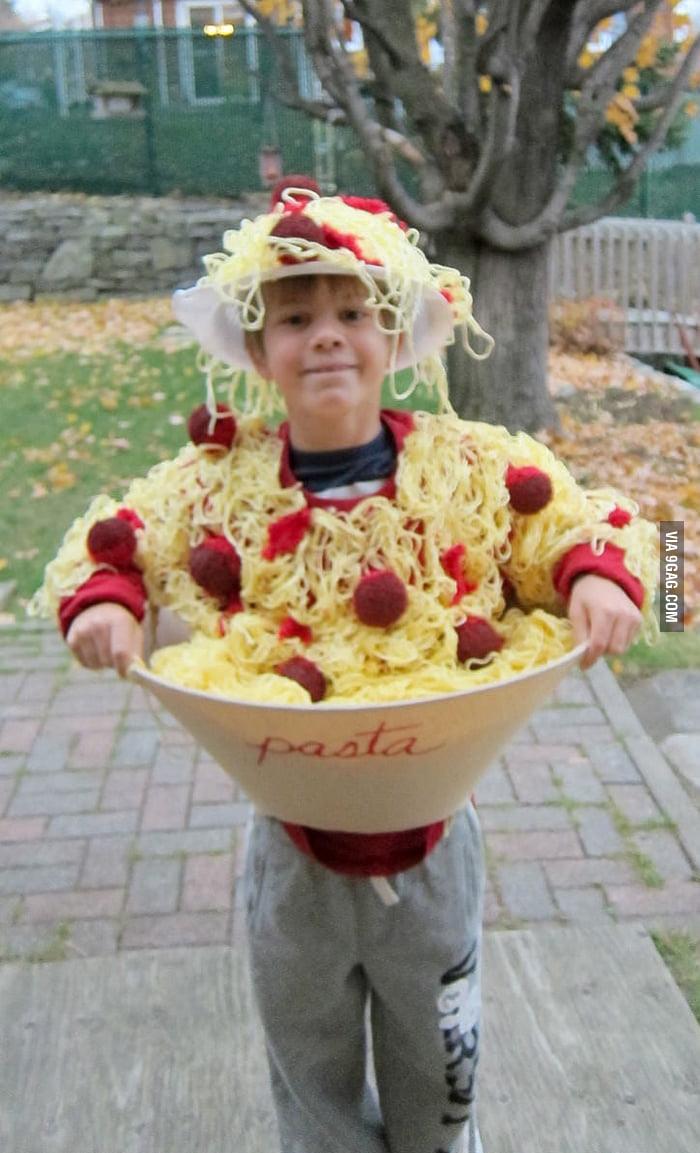 This bowl of spaghetti knocked my door.