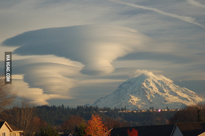 Lenticular Clouds over Washington