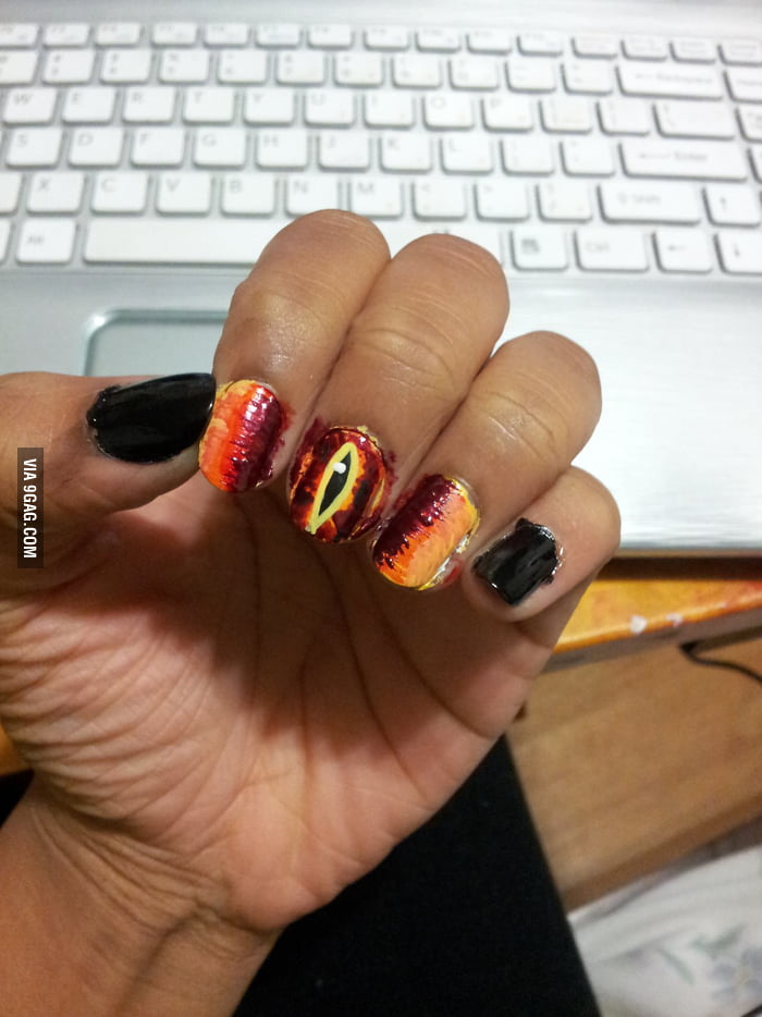 Eye of Sauron Nail Art