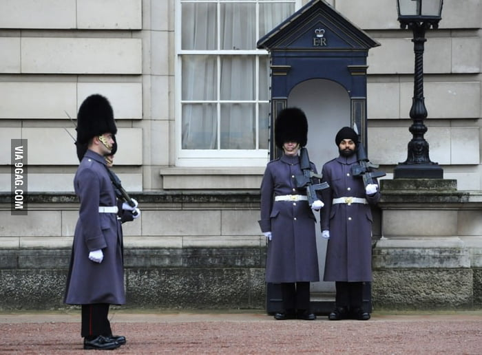 1st Buckingham Palace guard to wear turban after 180 years.