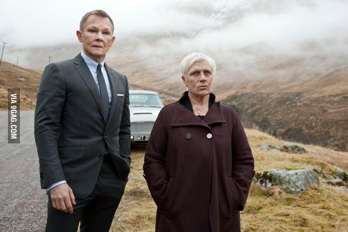 Face Swamp: James Bond & M