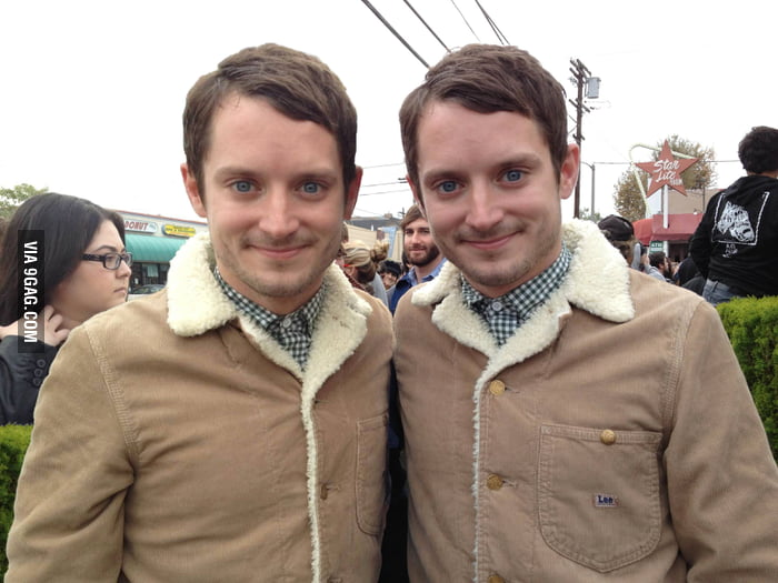 Guess who got a picture with Elijah Wood?