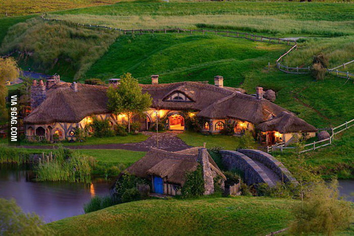 New Zealand opens a real-life Hobbit bar