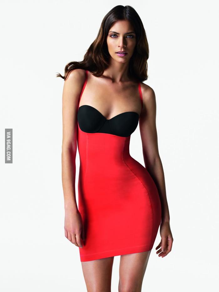 I think her bottom is photoshopped.