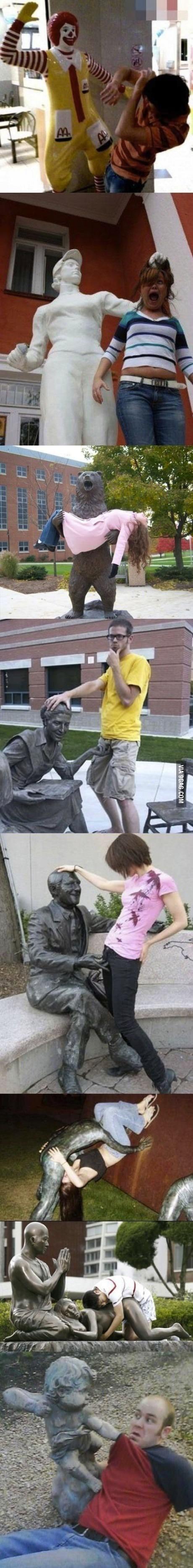 Dat statues.