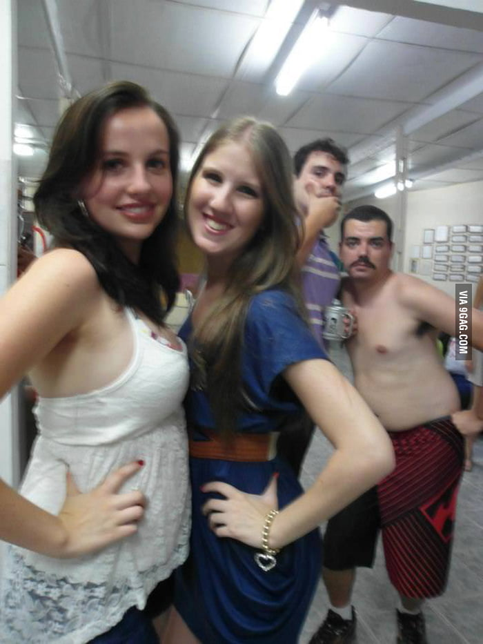 Most sexy photobomb ever!
