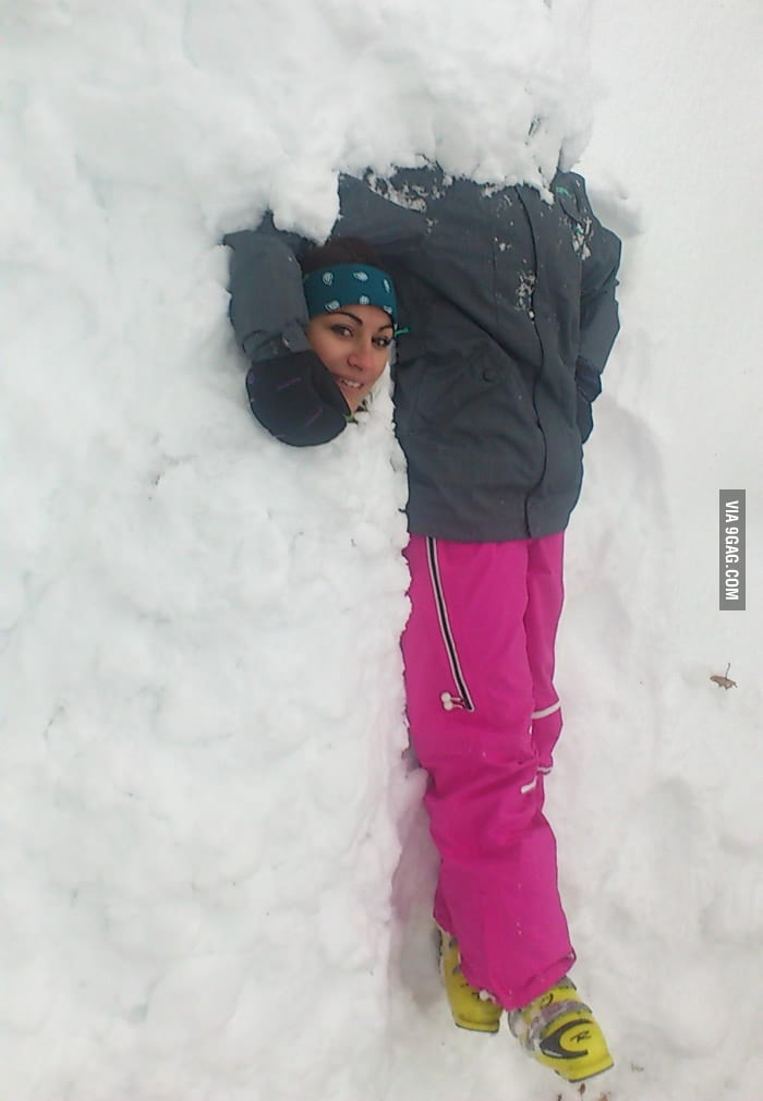 The first time to see someone did this trick with snow.