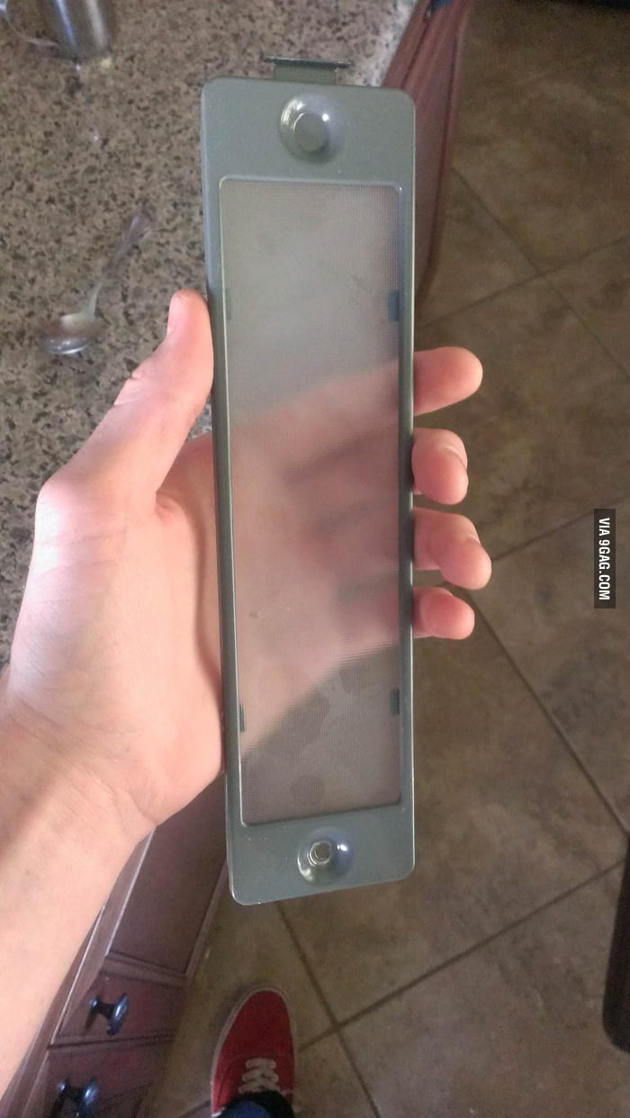 IPhone 8 Prototype found while fixing microwave light!