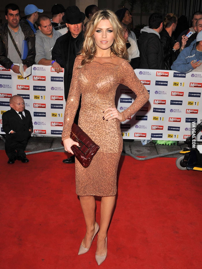 Abbey Clancy got photobombed by Mini-Me.