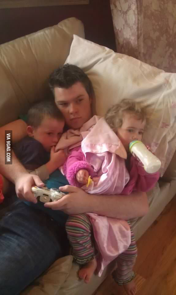 How you game when you have younger siblings.