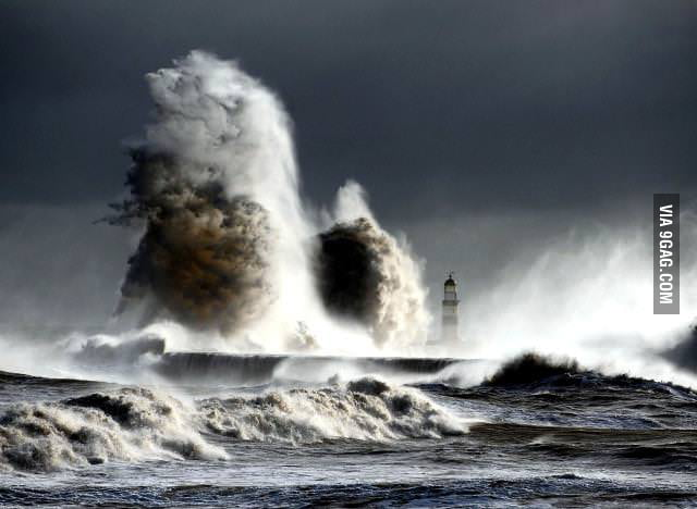 Huge 70 foot wave in Durham