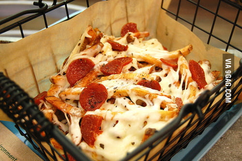 I present to you... PIZZA FRIES!