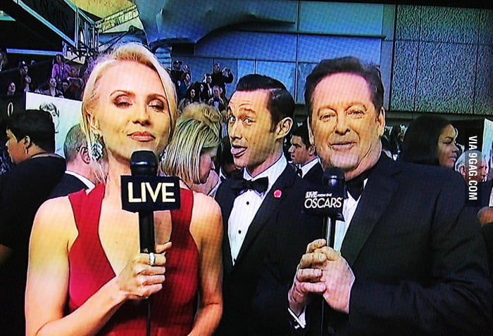 The first photobomb of the Oscars goes to...