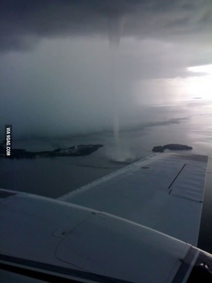 I'll never look out the window in the airplane again...
