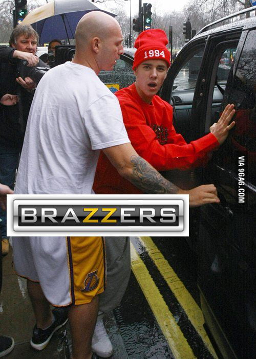 Justin Bieber wants those paparazzi photos off the internet