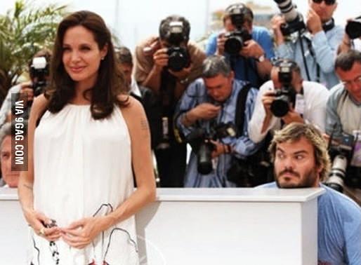 Even celebrities photobomb.