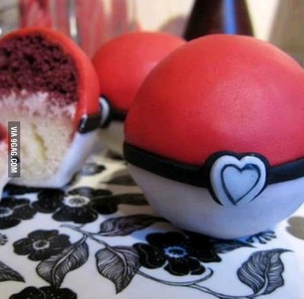 Pokéball Cupcake