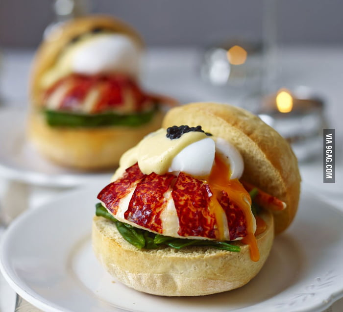Muffins with lobster, poached egg, hollaindaise, spinach, & caviar ...