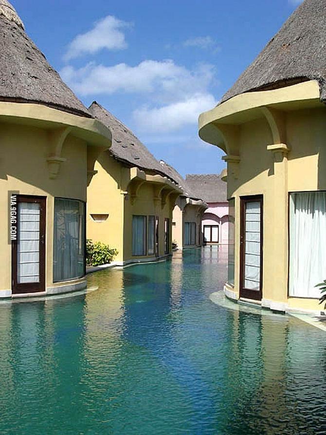 Bali indonesia swim resort 9gag for Hotel in bali indonesia near beach