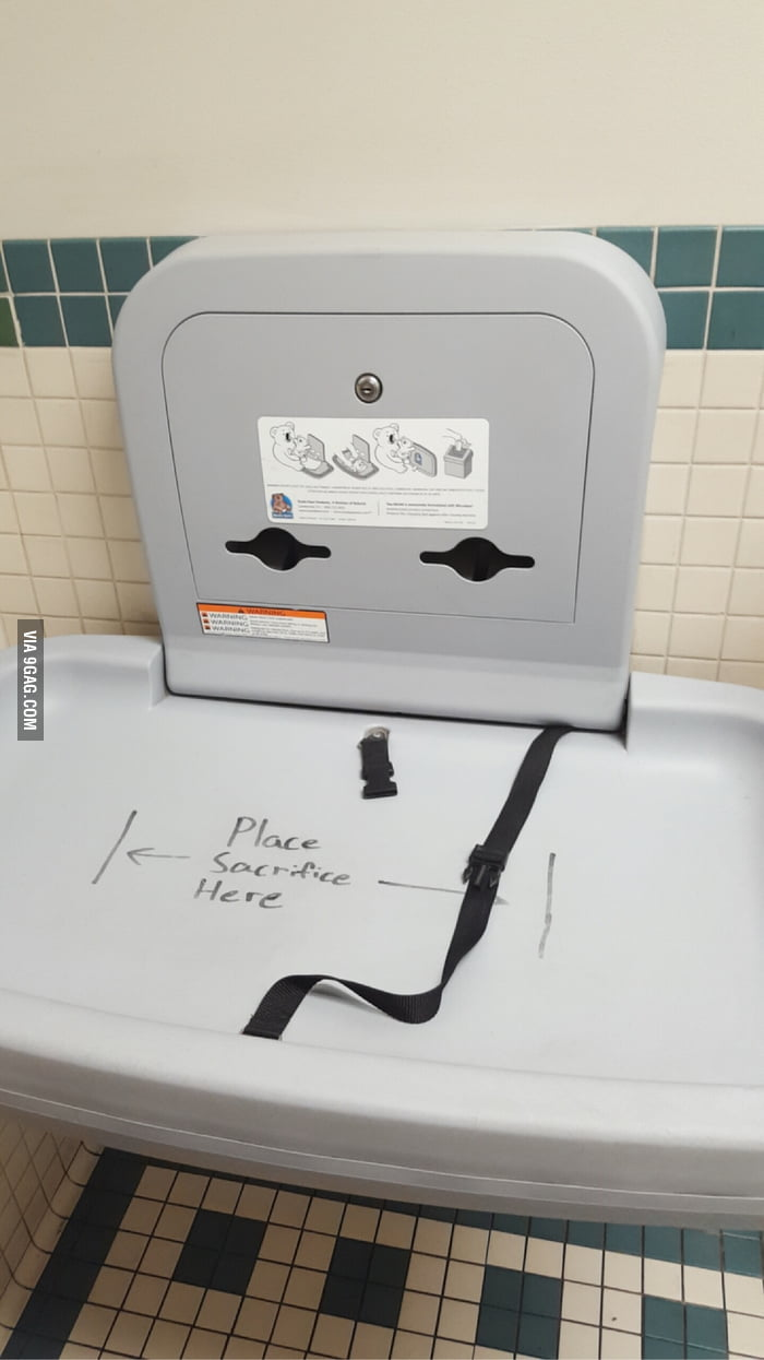 In a family bathroom 9gag for Bathroom 9gag