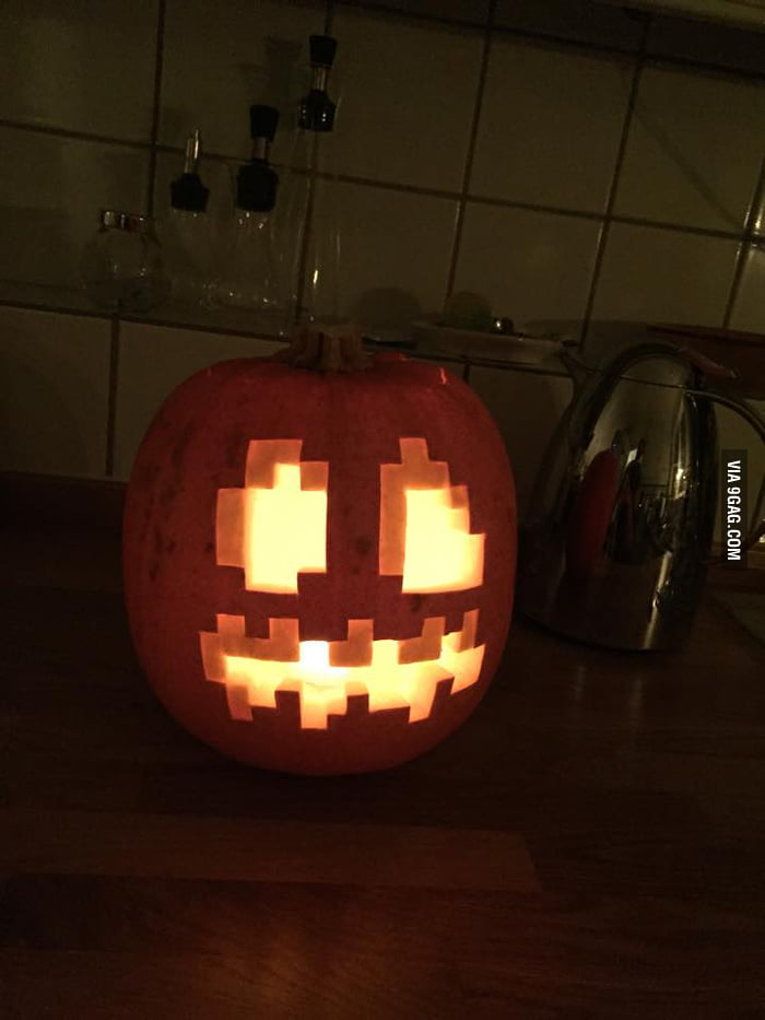Carved minecraft halloween pumpkin gag
