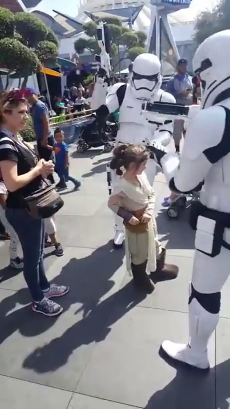 Little girl arrested at Disneyland