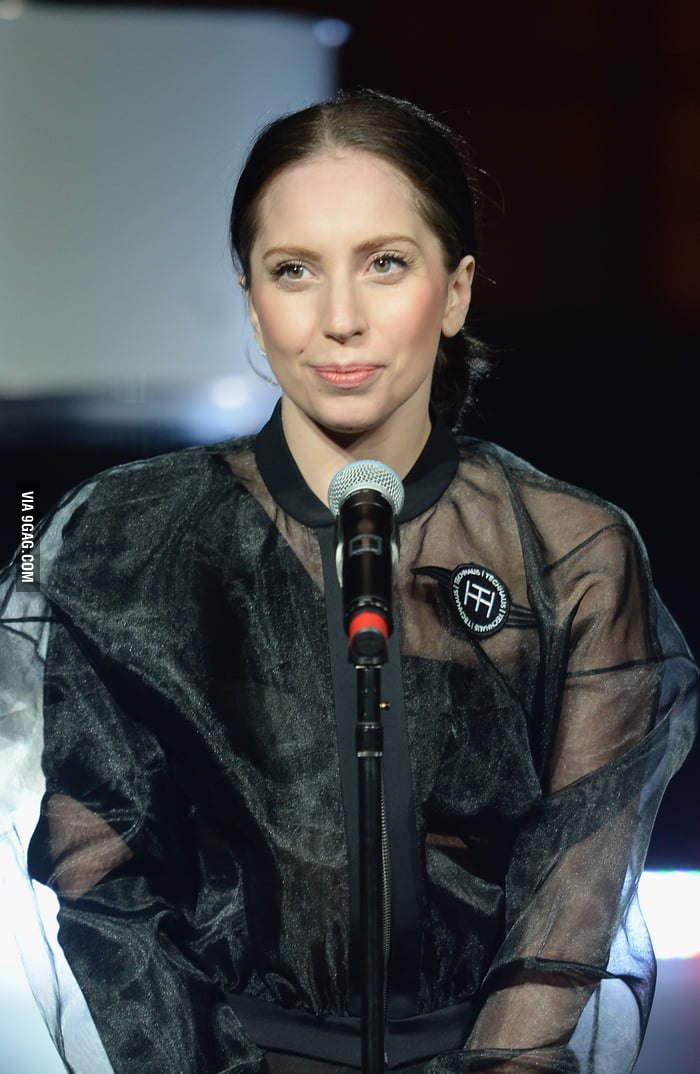 Lady gaga without no makeup commit error