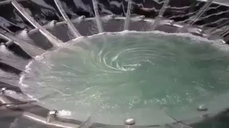 Fountain at shopping center in Singapore