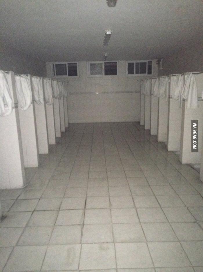 My dormitory has a bathroom like that should i be worried for Bathroom 9gag