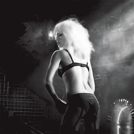 Jessica Alba Nude Gag 13