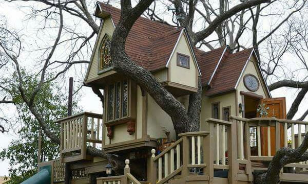 Describe this backyard treehouse in one word - 9GAG