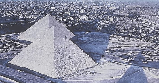 Snow Has Fallen On The Pyramids Of Egypt For The First