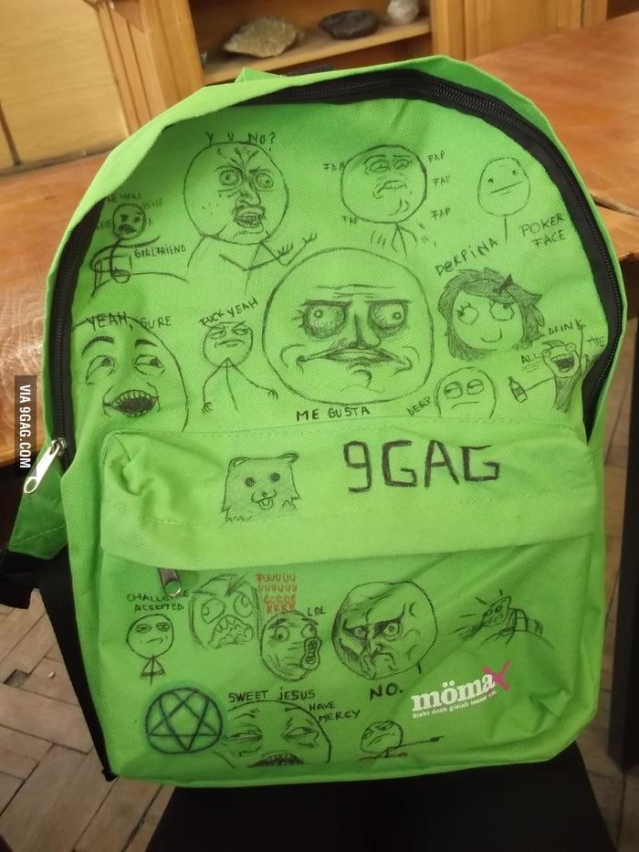 Meme schoolbag