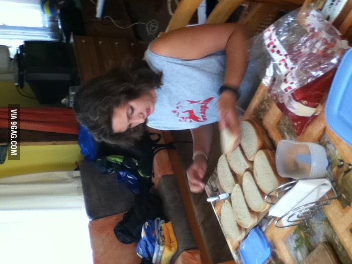 My sis makin sandwiches