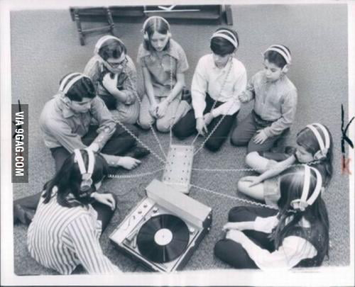 Old school techno party - 9GAG