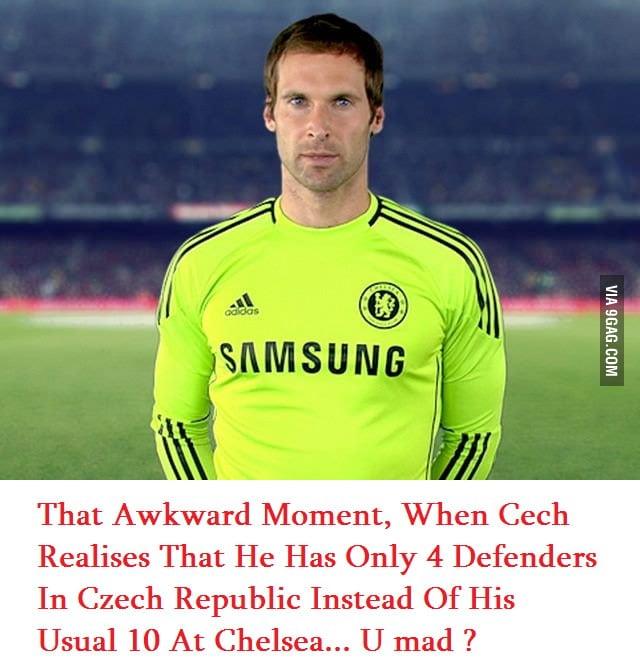 Cech awkward moment