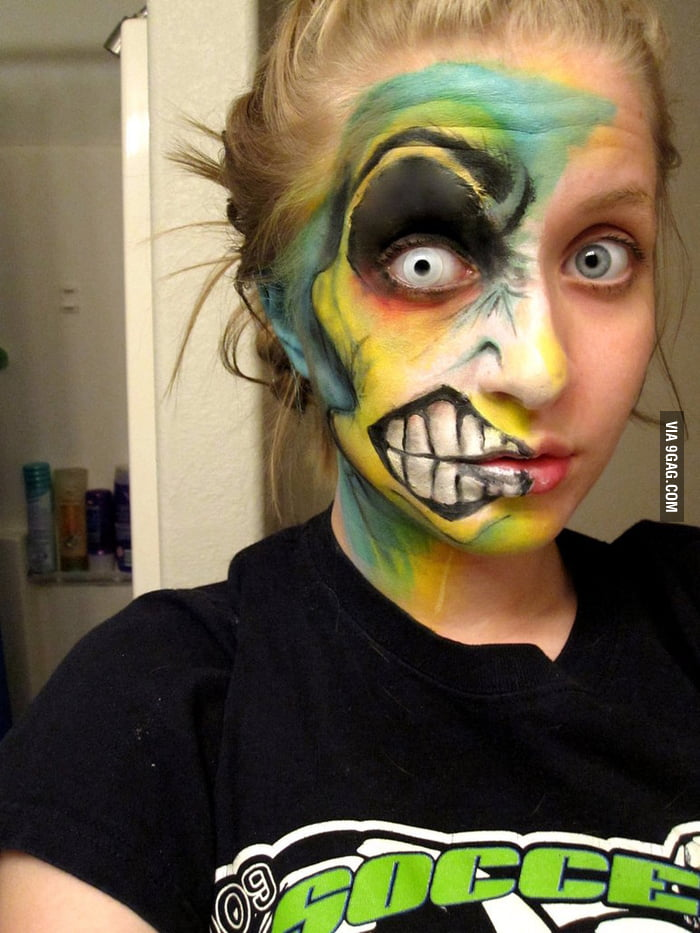 awesome two face halloween makeup 9gag. Black Bedroom Furniture Sets. Home Design Ideas