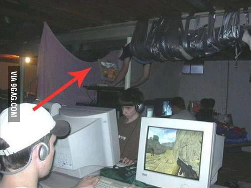 Playing CS, Like a boss.